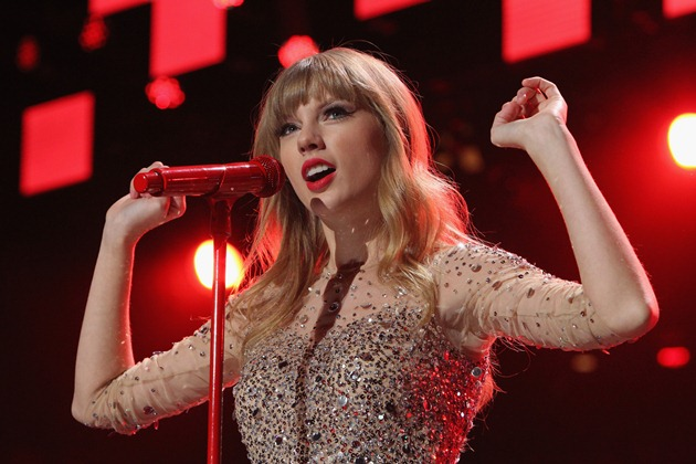 Taylor Swift Performs Songs from RED