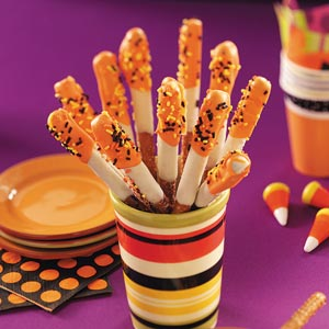 super easy taste of home halloween pretzel treats to dress up your halloween party - Fast And Easy Halloween Treats