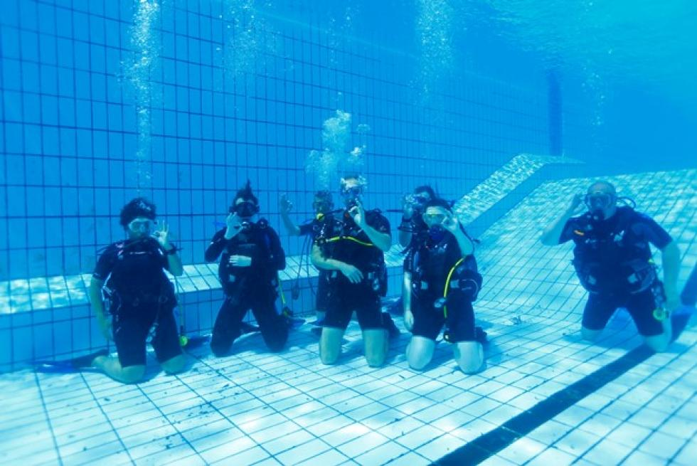 Want To Learn To Scuba Dive Join A Local Scuba Diving Class